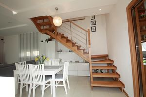 Art. G02, Open staircase in wood