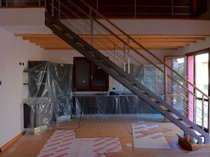 Art. G09, Linear metal staircase