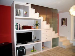 Art. G20, Open staircase with cabinet under the stairs