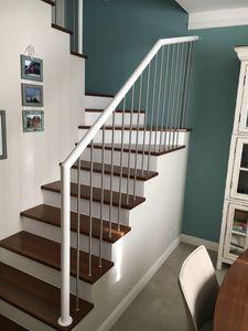 Art. P02, Parapet for modern staircase