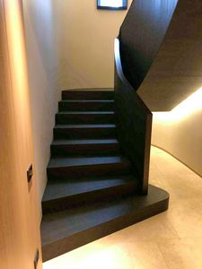 Art. R02, Staircase cladding in canaletto walnut