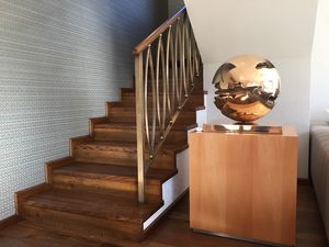 Art. R04, Staircase cladding in antiqued oak