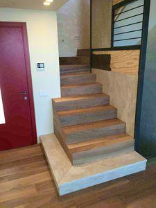Art. R08, Walnut stair cladding
