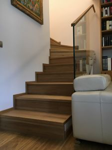Art. R10, Cladding for modern staircase