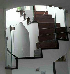 Art. R11, Stair cladding in panga-panga wood