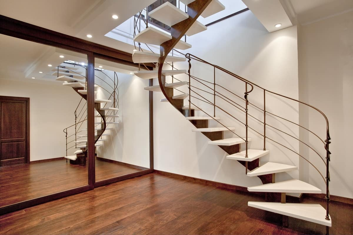 BE.02, Spiral Staircase With Single Beam Structure