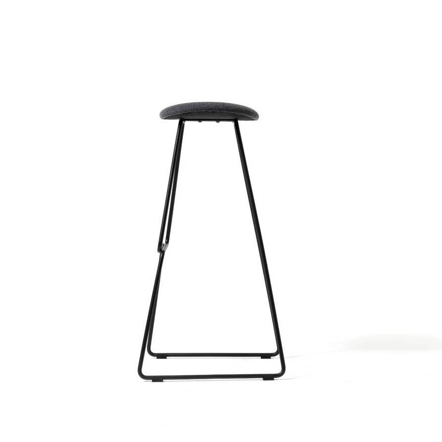 Chat, Modern design stool