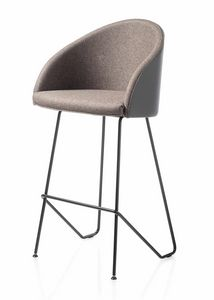 Kameo stool, Stool with soft and sinuous lines