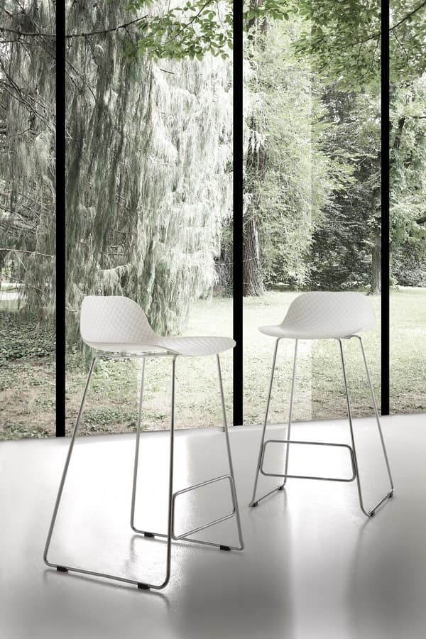 Art. 524 Adam, Stool in metal and polypropylene, for contract use