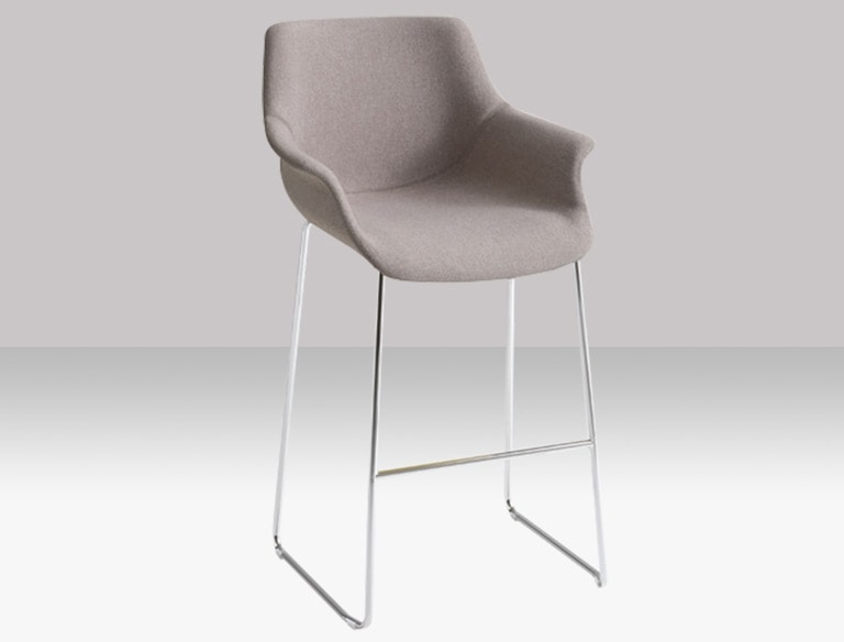 More ST 66/76, Versatile stool with a modern design