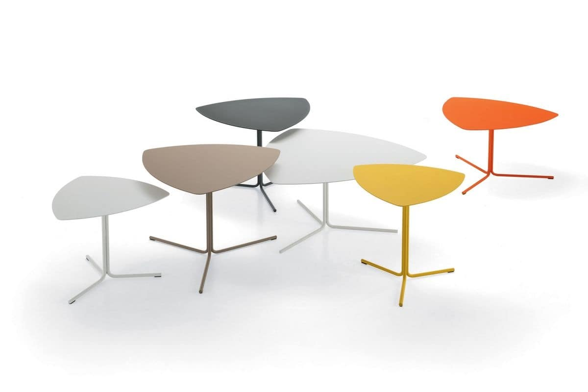 Kensho Tables, Coffee table made of colored steel, triangular shape