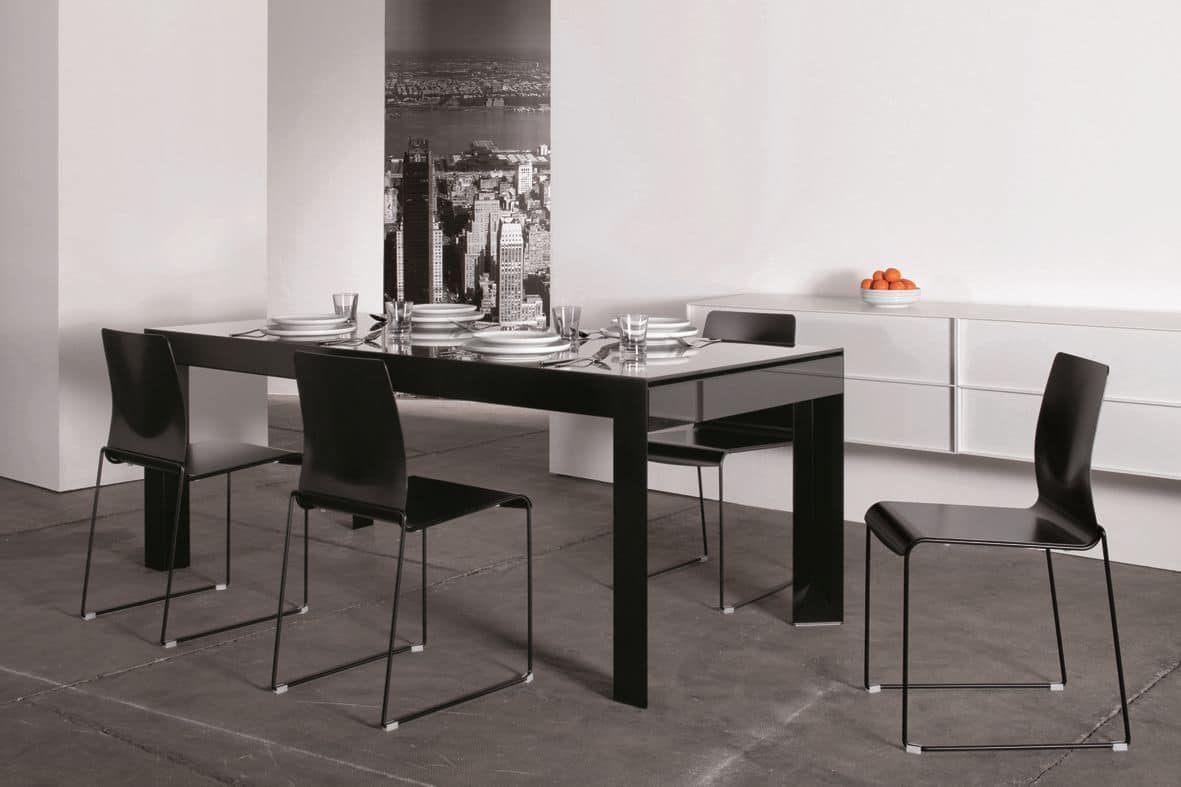 Riccardo, Table with lacquered glass top, metal base, extendable