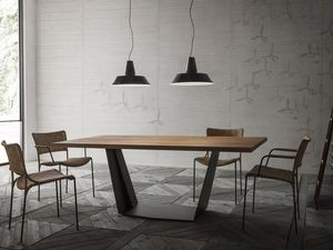 Ala Junior B, Dining table with metal base