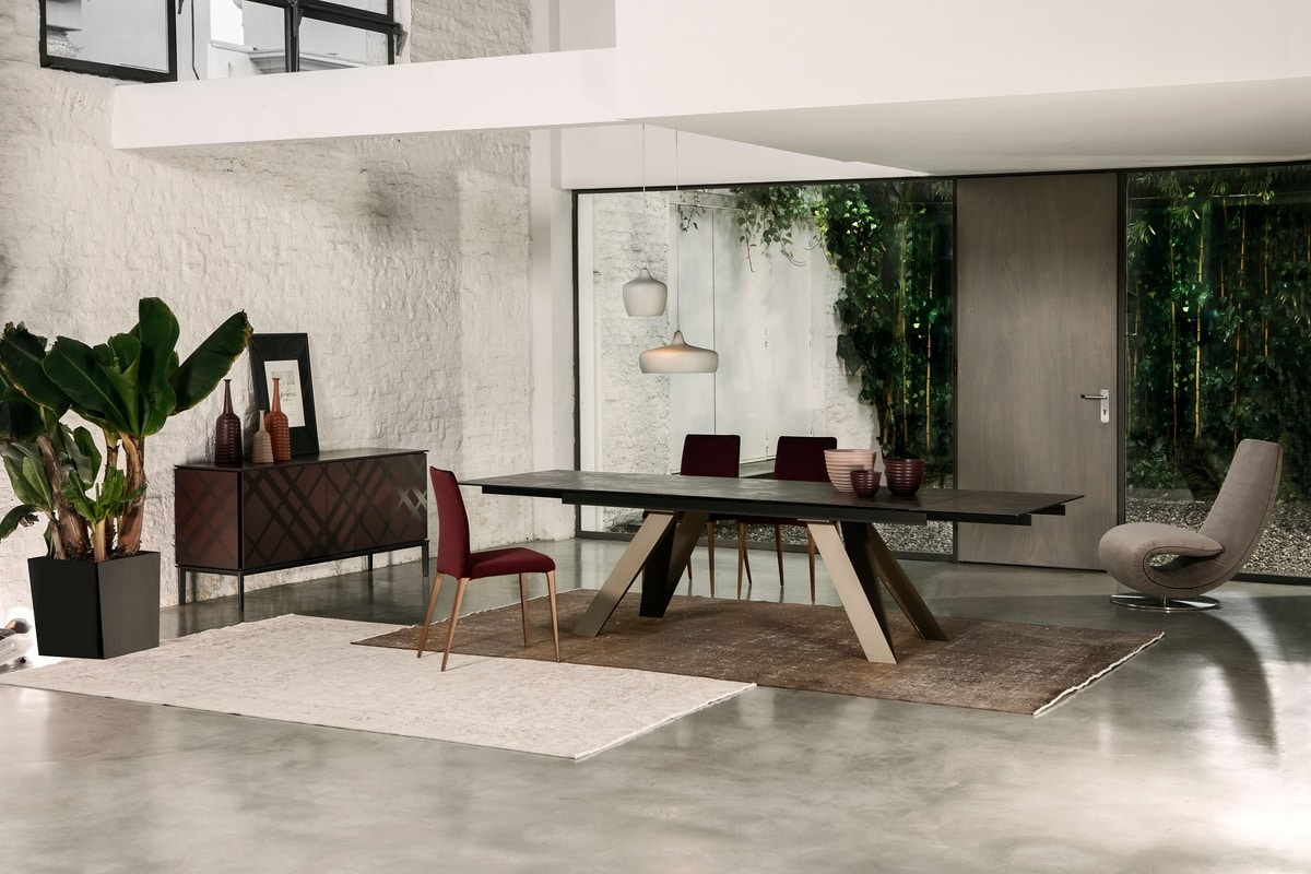 CELTIS, Extendable or fixed table, with top in wood, glass or ceramic