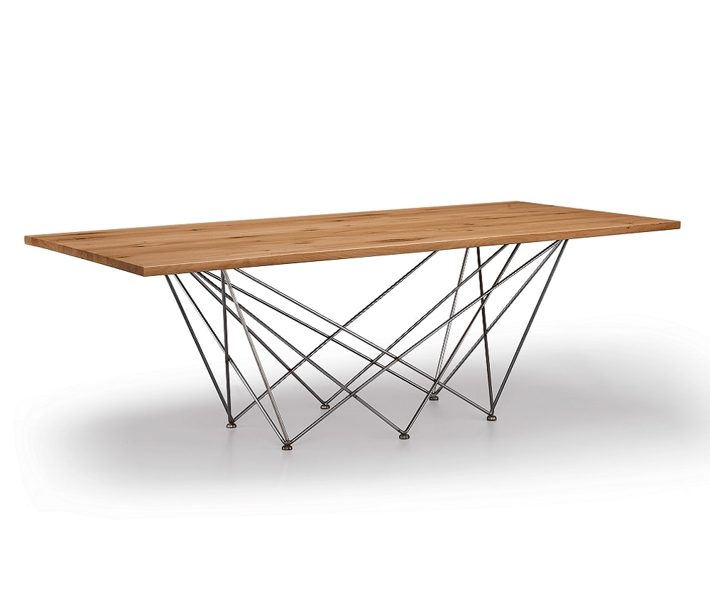Net, Table with base formed by a geometric weave