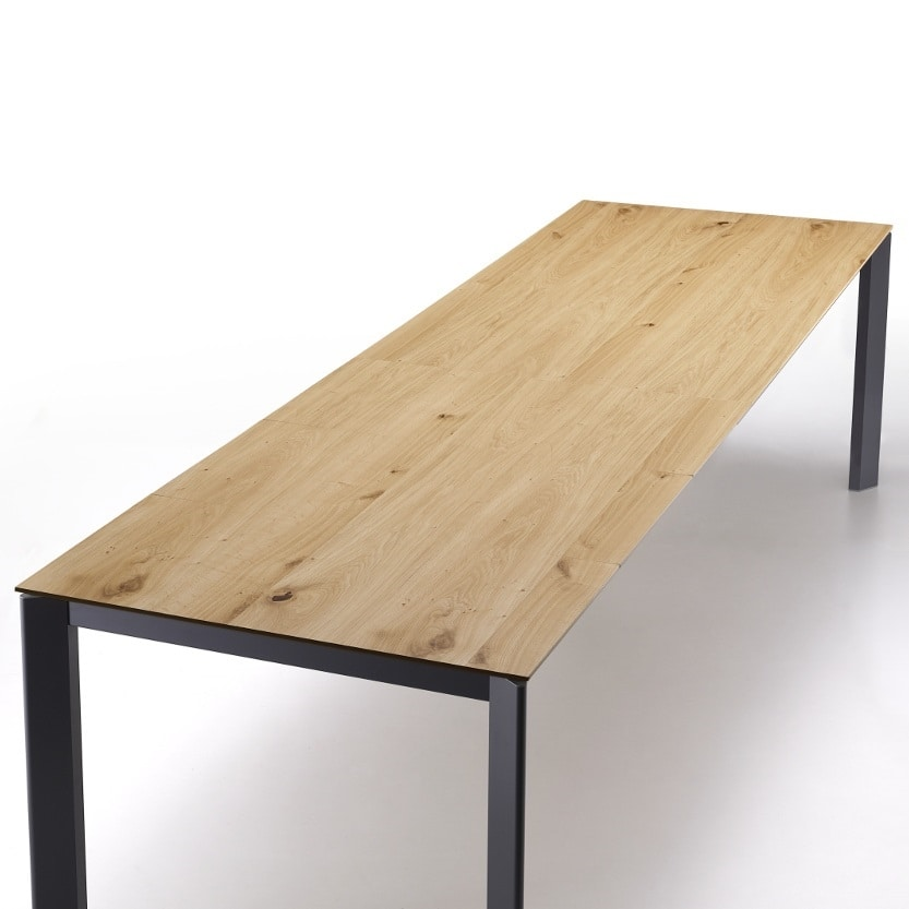 Split, Kitchen table with clean lines
