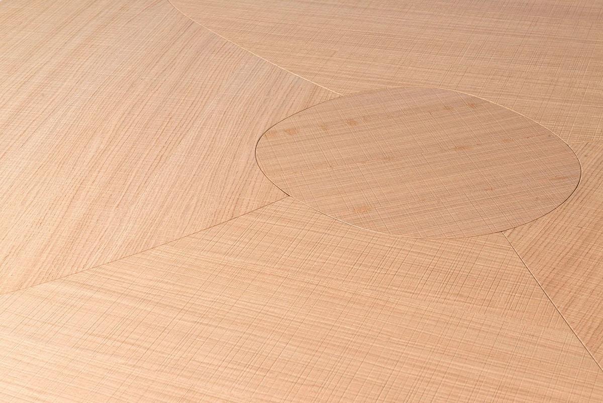 Andy, Oak wood table