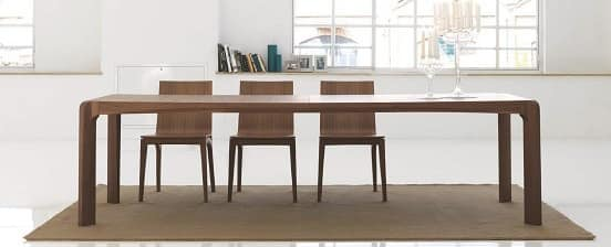 Kìnesis, Dining table made of wood, with rounded edges