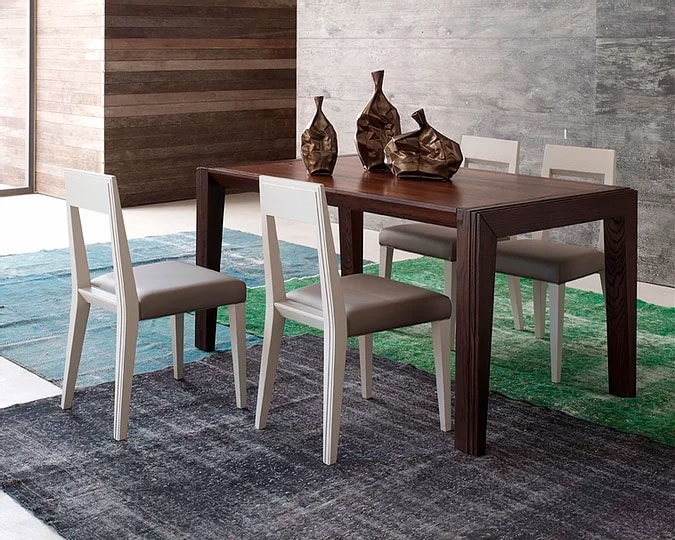 Tea, Wooden dining table