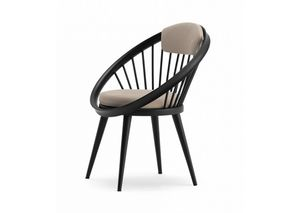 Circle, Wooden chair with padded seat
