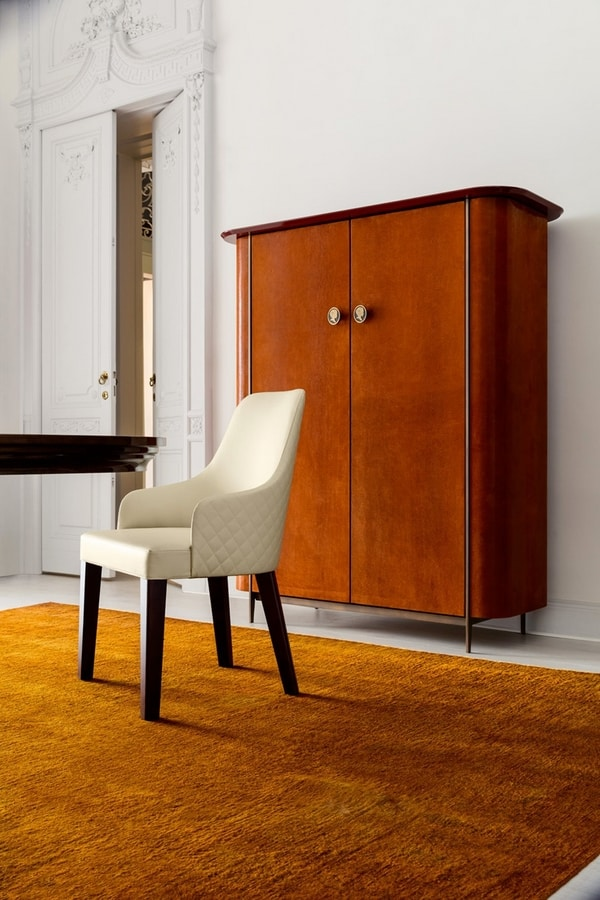 Ingrid, Upholstered chair with rounded back