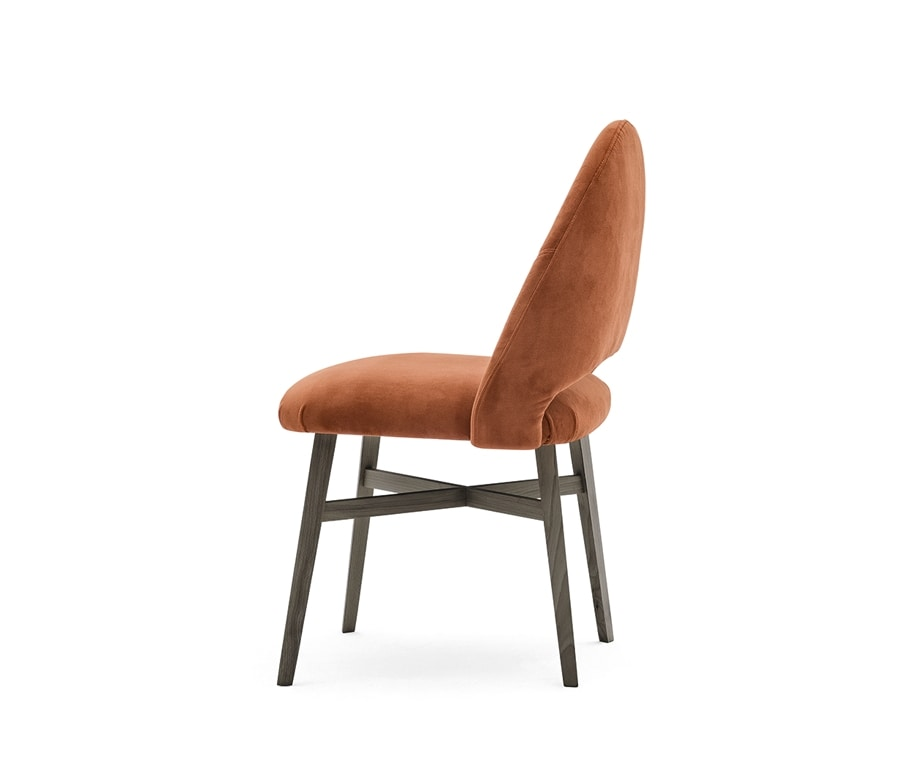 Niky 04711, Chair characterized by an enveloping backrest