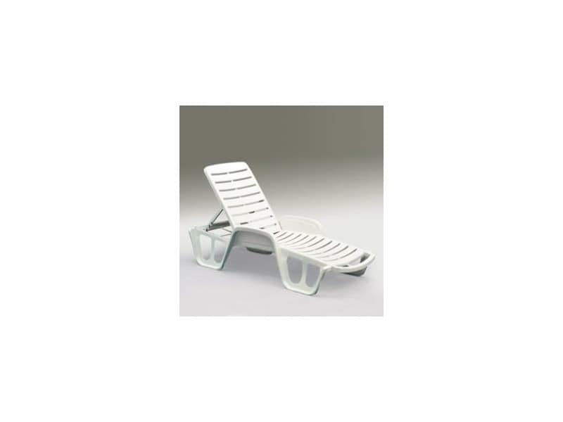 Fisso, Sunbed made of resin, with reclining headrest