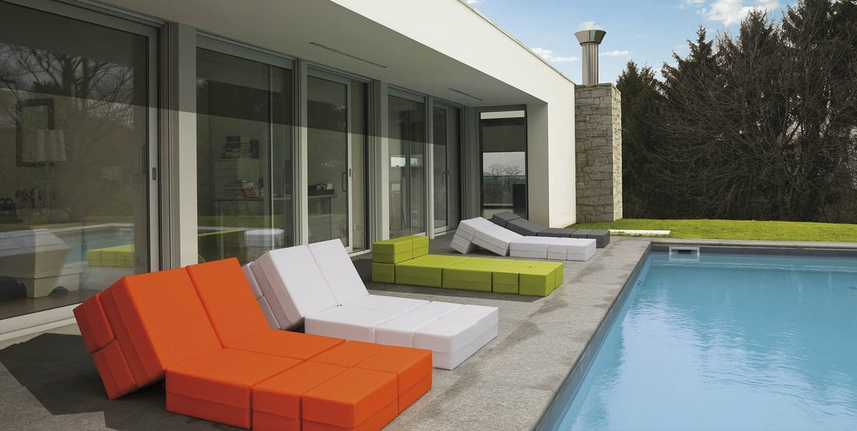 Kuboletto, Convertible seat for indoor and outdoor