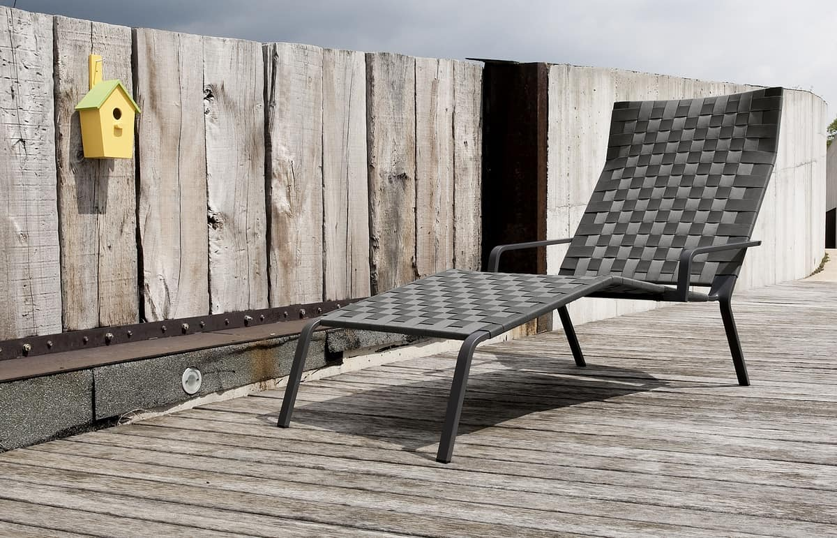 Rest Chaise Lounge, Stackable sun bed in aluminum and polyester
