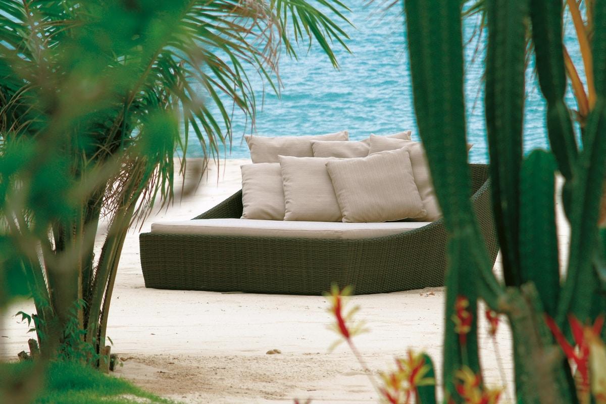 Waikiki 4508, Woven daybed for garden