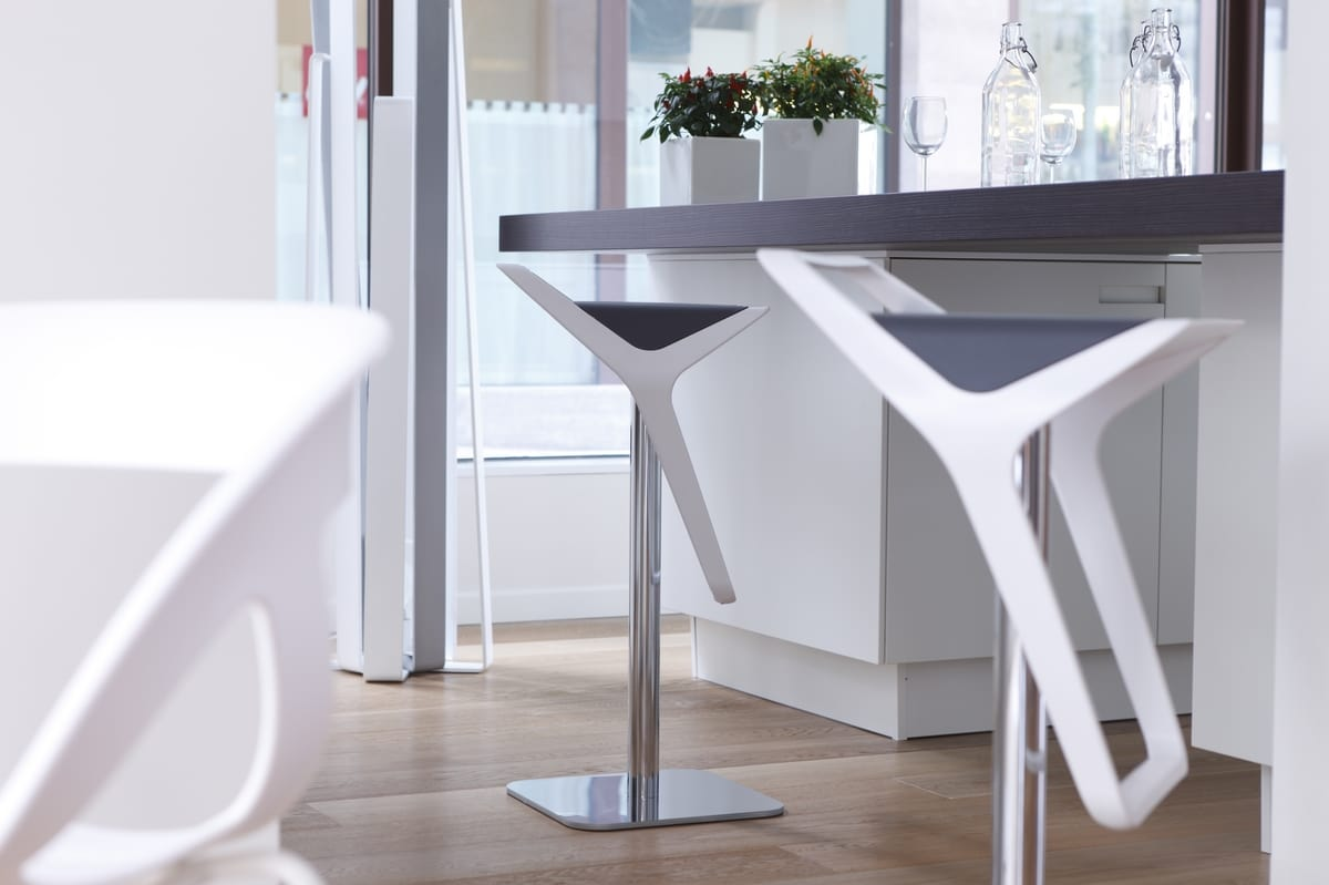 Freedom, Contemporary adjustable barstool with technopolymer seat