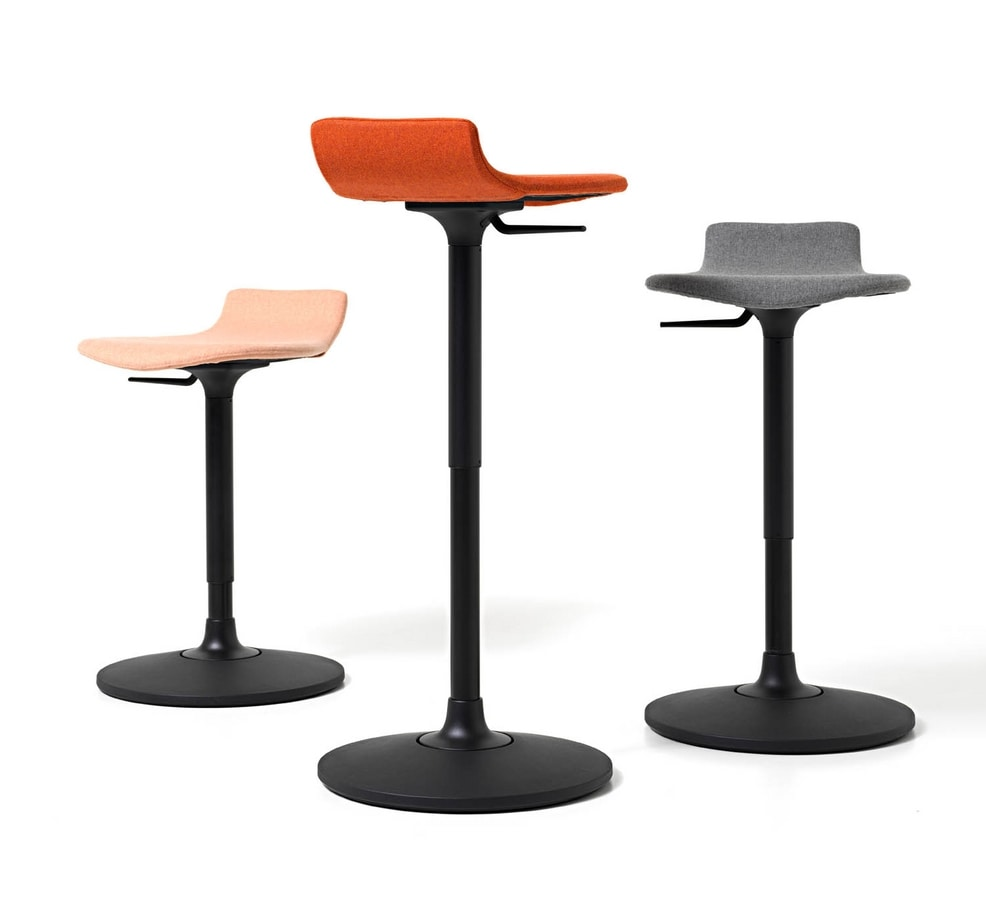 Oblò, Stool with anti-slip oscillating base, adjustable in height