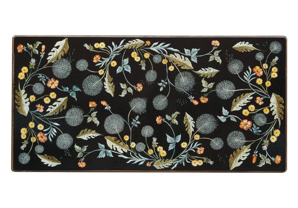 Natura Soffioni, Table with hand made decoration