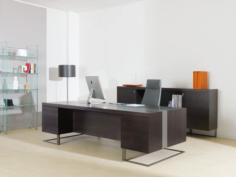 Large Desk Wood And Metal Ideal For Executive Office