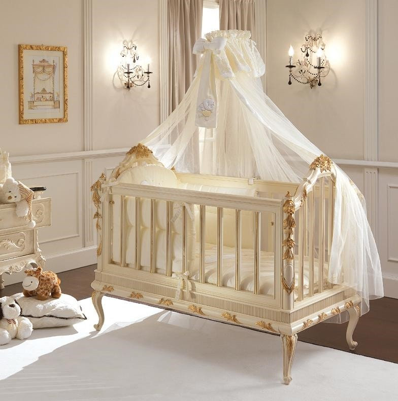 Honey baby cot, Luxurious classic style baby cot