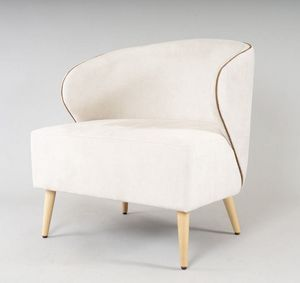 BS468P - Armchair, Enveloping armchair