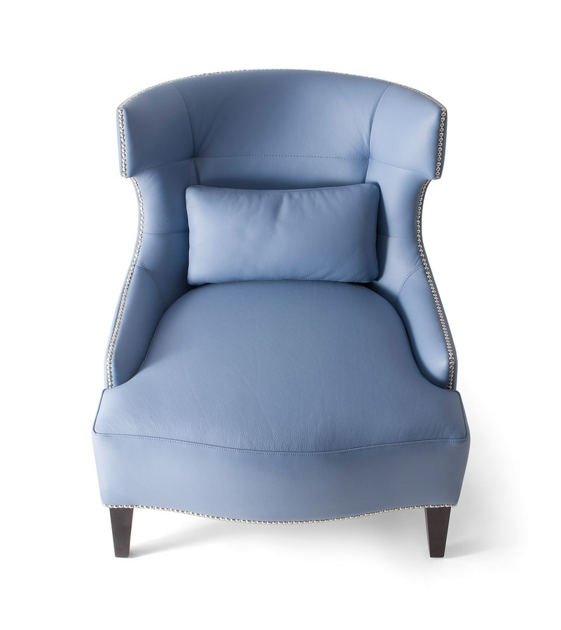 DEVON LOUNGE CHAIR 049 P, Armchair with a bourgeois atmosphere