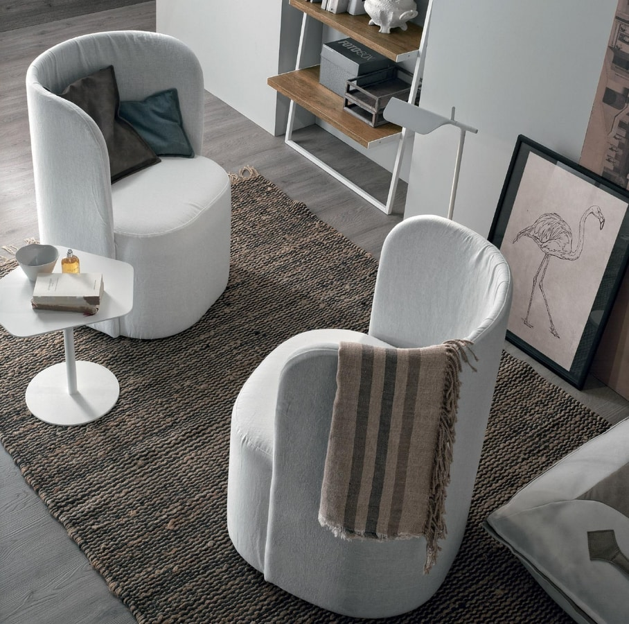 Vanessa, Armchair with enveloping backrest