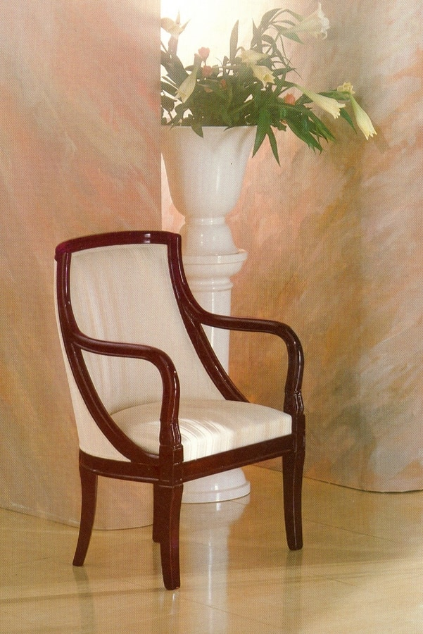Art. 210, Armchair in solid mahogany