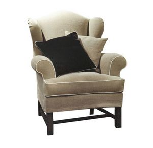 Caterina, Armchair with classic lines