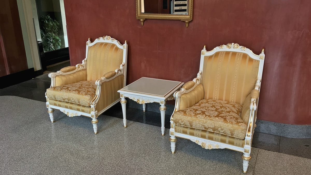 Impero, Armchairs decorated by Italian craftsmen