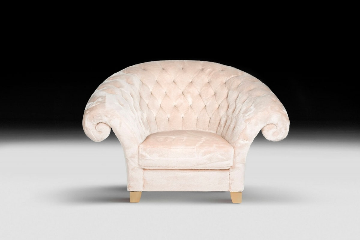New Versailles, Classic armchair handcrafted