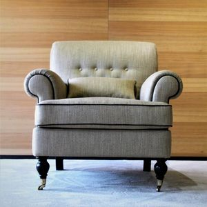 POL-PRO1TES-VPL, Armchair with classic lines