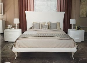 Berg�, Upholstered bed
