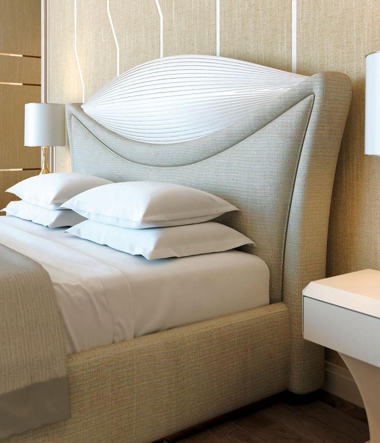 Charme, Elegant upholstered bed