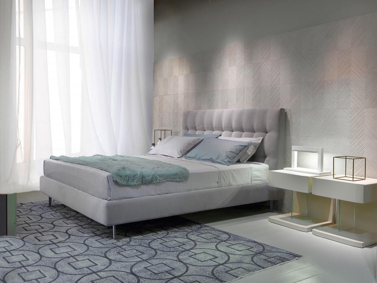 KELLY, Bed completely covered in velvet