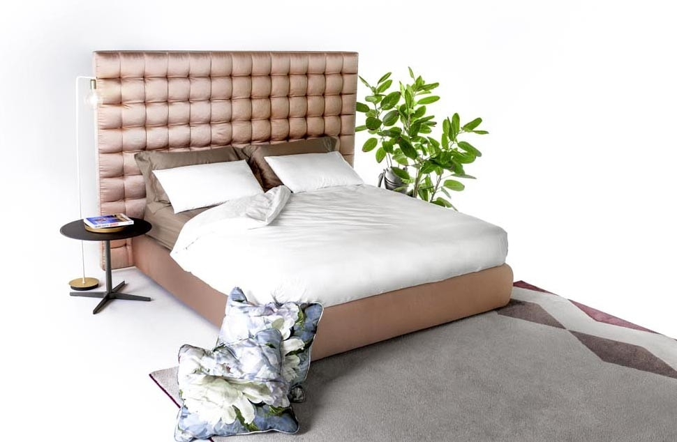 Kurt, Padded bed, with refined finishes