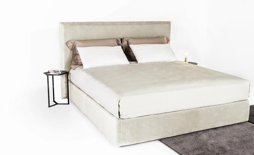Mick, Glamor bed with velvet covering