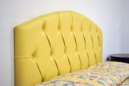 Rondeau, Classic upholstered bed with curved capitonnè headboard