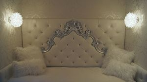 Sara custom, Single bed with baroque headboard